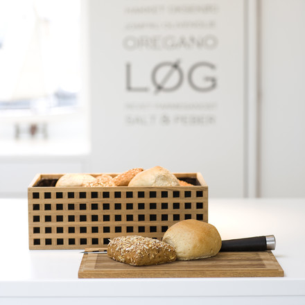 Bread Box and chopping board in one