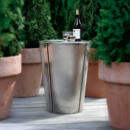 Eva Solo Grill Barrel with lid, wine and glass