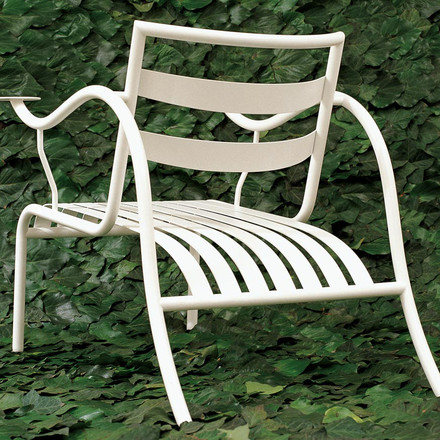 Cappellini - Thinking Man's Chair - Ambience -3