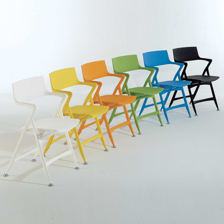 Group image: different colours from the Dolly Folding Chair