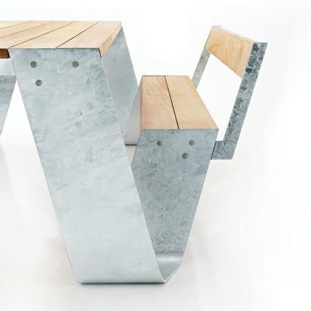 Extremis - Hopper table