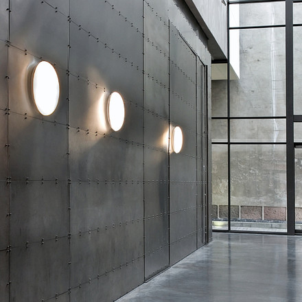 Louis Poulsen - Silverback ceil and wall lamp