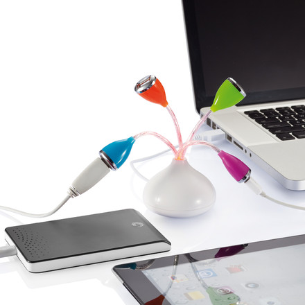 XD Design - Flower USB Hub - connected, charging