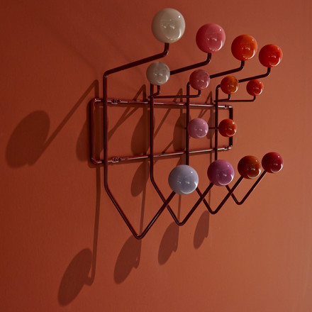 Vitra - Hang it all Coat Rack, red wall