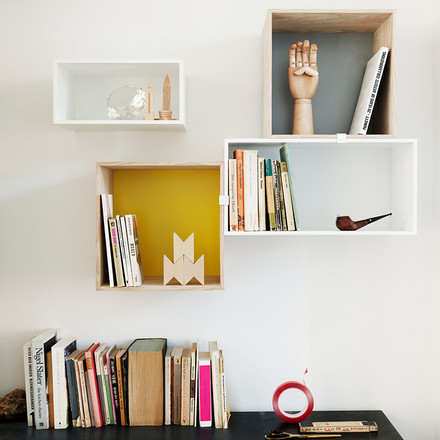 Muuto - Mini Stacked Shelving System, ambience image with books