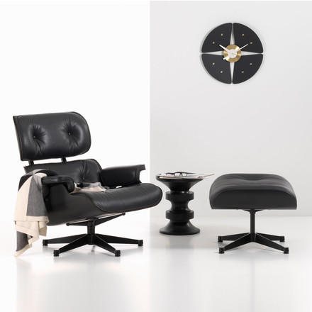 Vitra lounge chair & Ottoman + Eames stool group atmosphere