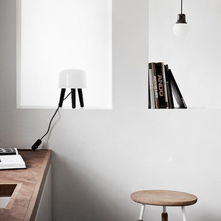 Milk table lamp by &tradition with black cable and black feet