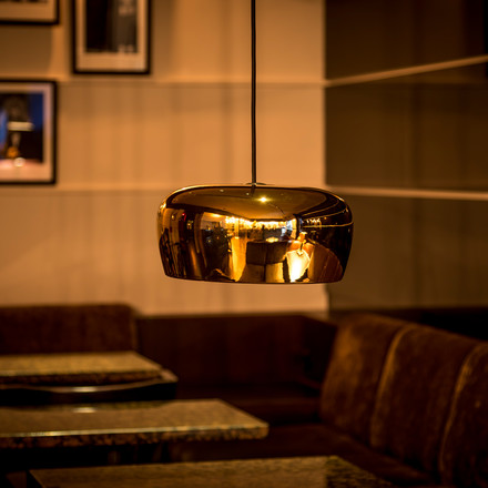 Formagenda - Coppola Pendant Lamp gold, over table