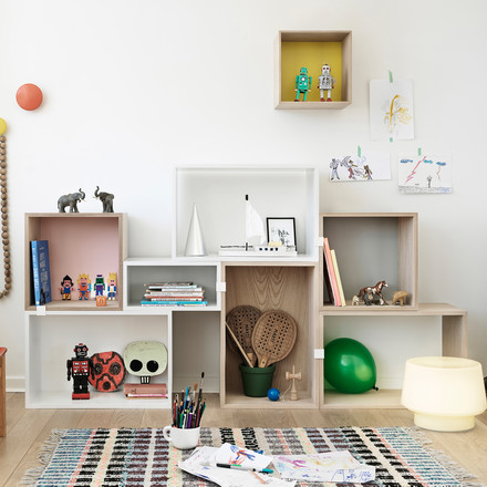 Muuto - Stacked shelving system - children's room