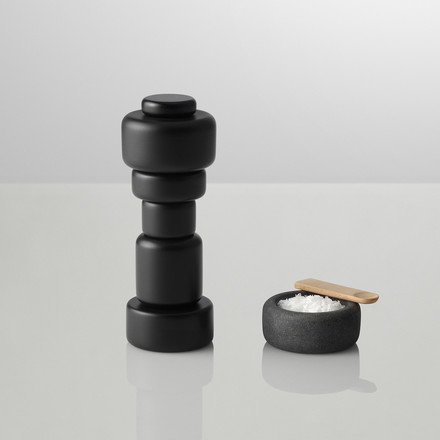 "Muuto - Salt and pepper grinder ""Plus"", black with One salt pot"
