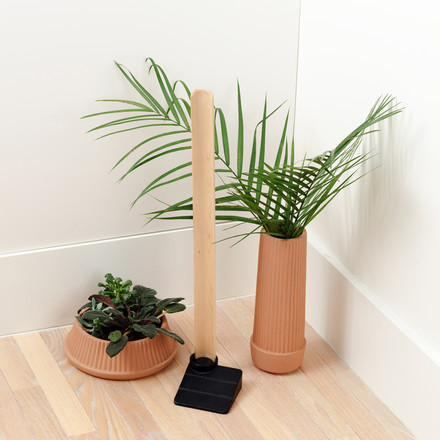 Umbra Wedge Shoehorn with plants