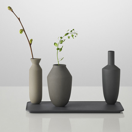 Muuto - Balance Vase (3 Vasen-Set), black with Flowers
