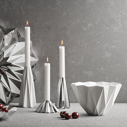 Georg Jensen - Supernova Bowl white, with candles on the left