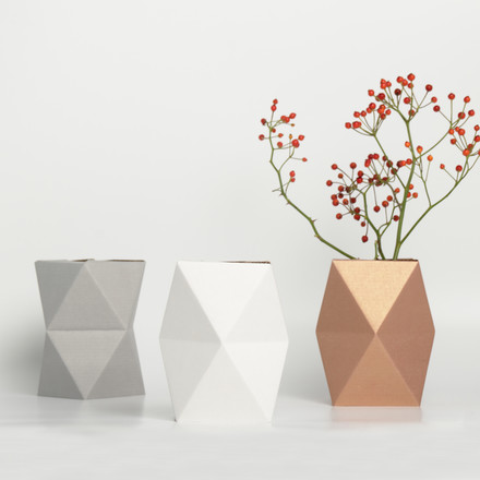 snug.vase low by Snug.studio in white, grey and copper