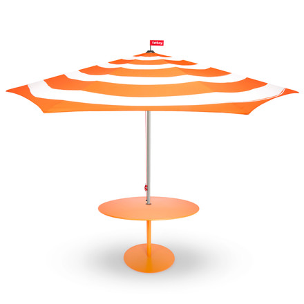 Stripesol sunshade with table by Fatboy in orange