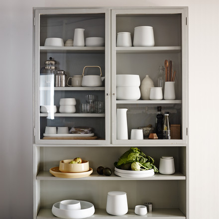 The Nordic collection by Skagerak convinces with its timeless, decent design with fine porcelain appearance.
