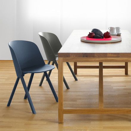 Individual dining furniture by e15