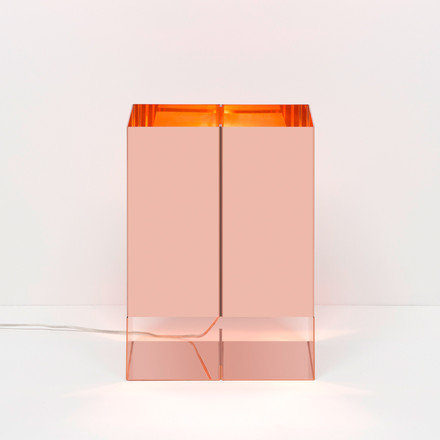 e15 - LT02 Seam Two table light in copper