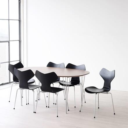 buy the arne jacobsen chair connox shop. Black Bedroom Furniture Sets. Home Design Ideas
