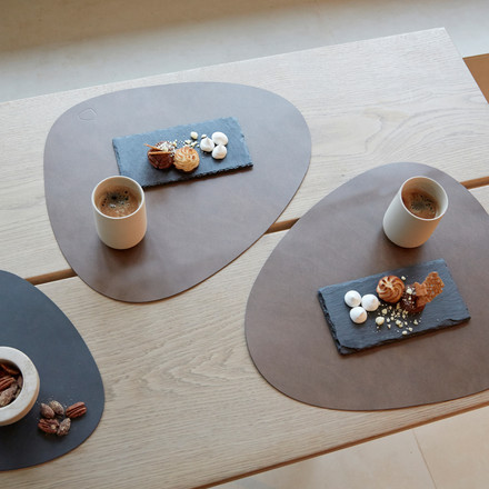 Table mat Curve L by LindDNA