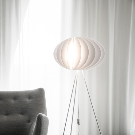 Disca floor lamp by Vita in white