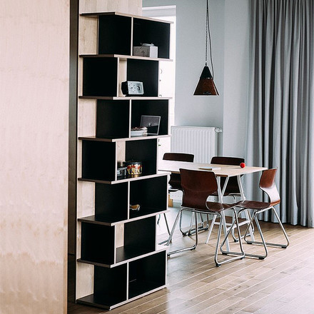 Ivy shelf slant by Tylko in black