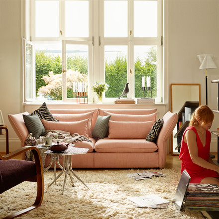 Vitra sofa in soft pink