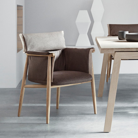 Embrace Chair by Carl Hansen