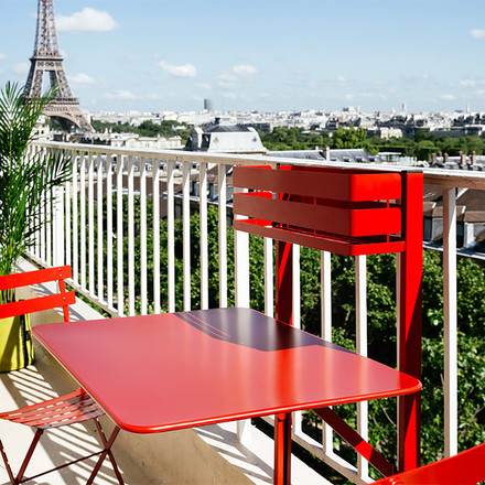 Space-saving Bistro Balcony Table