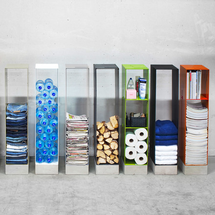 The Manhattan shelf from Röshults offers lots of space