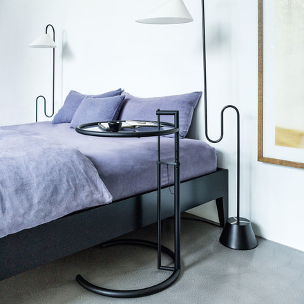 Classic in the Bedroom: Adjustable Table E 1027 black version