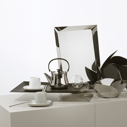 Ovale and Char for Tea by Alessi