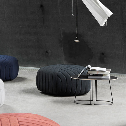 Muuto - Airy Coffee Table, Small, black/ Five Pouf