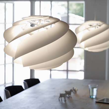Luminaire with Swirling Lampshade