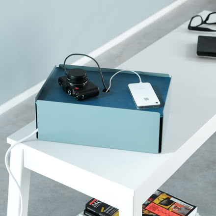Turquoise Charge-Box with a blue lid by Konstantin Slawinski