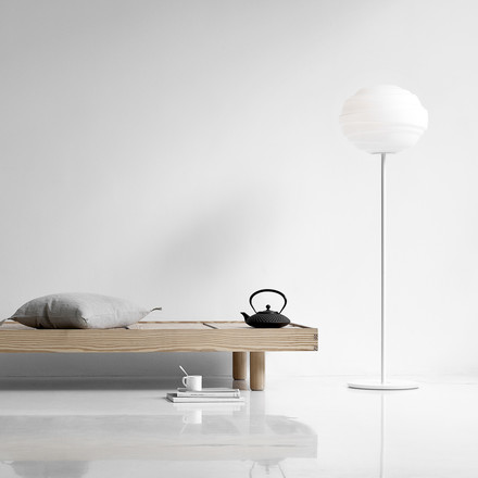 Atomheart floor lamp with a pleasant light