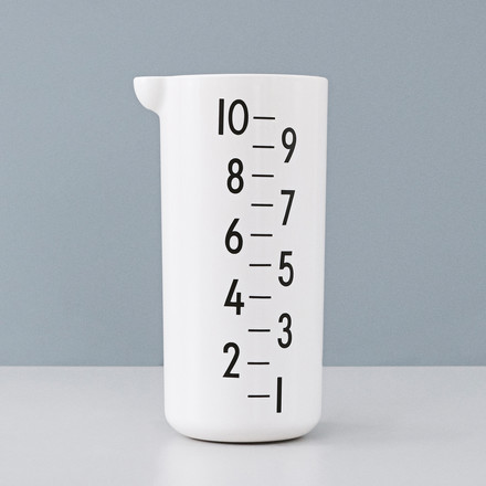 The measuring cup, 1 l by Design Letters
