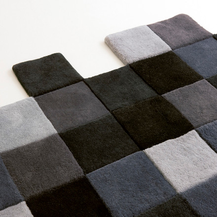 Do-Lo-Rez Rug with Square Boxes
