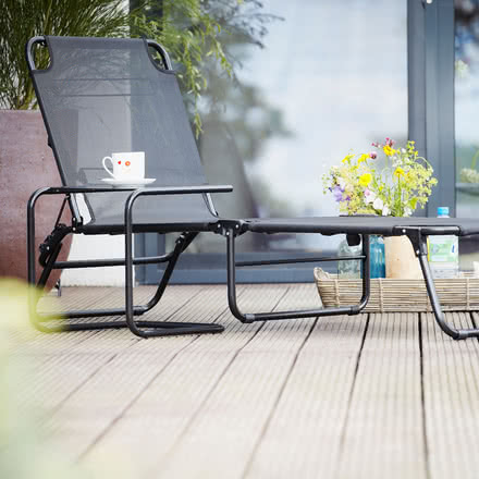 Club Side Table and Amigo Deck Chair by Fiam