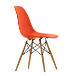 Vitra - Eames Plastic Side Chair DSW (H 43 cm), yellowish maple / poppy red, felt glides white (hard floor)