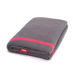 Fatboy - Klaid blanket, dark grey / neon pink stripe