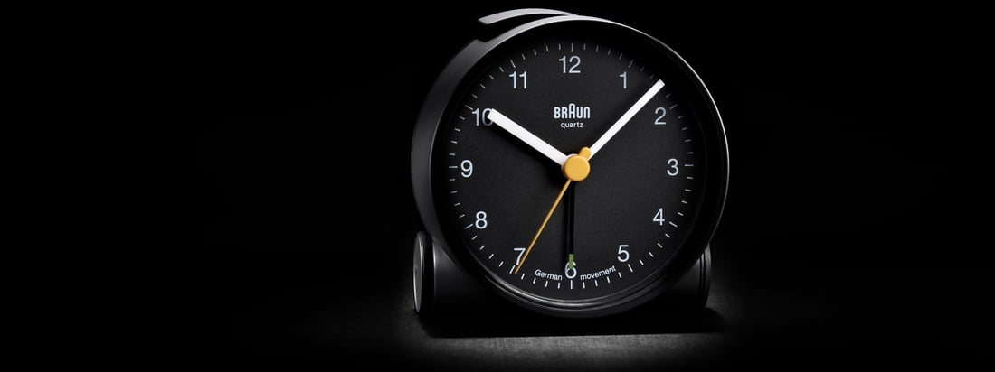 The brand Braun stand for technical products with high quality. The black Alarm Clock BNC001 convinces through a simple design and a well discernible dial.