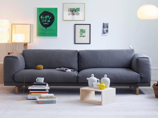 The Rest sofa by the designers Anderssen & Voll designed for Muuto. The upholstered cold foam and downs invite you to stay and relax. The base of the Rest sofa is made of steel, the visible frame is made of oak.