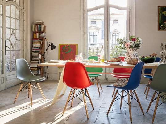 Vitra Shows You How You Can Stylishly And Authentically Furnish Your Dining  Room. The EM