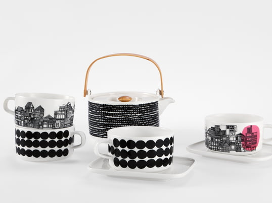 Although the name seems to be rather cryptic, the Siirtolapuutarha Collection by Marimekko knows quite well how to deal with the black and white contrast. The iconic Räsymatto pattern was created by Maija Louekari, while the simple clean shape was designed by Sami Ruotsalainen.