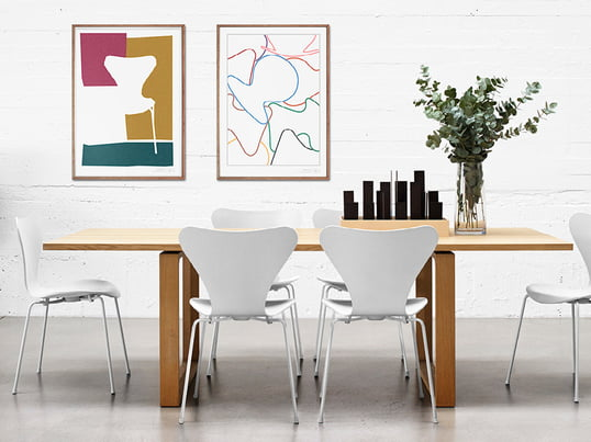 The Series 7 Poster collection by Fritz Hansen was in honor for the design pieces Arne Jacobsen launched. The posters show the sensual curving silhouette of the Serie 7 chair.
