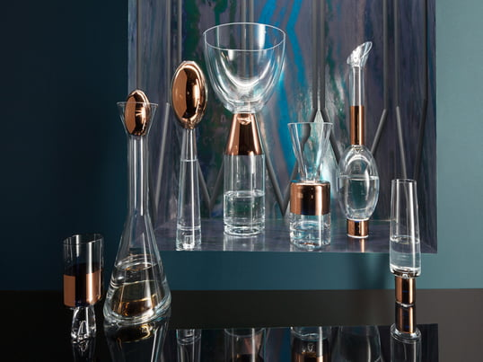 The Tank collection of the English company Tom Dixon consists of genuine, hand-blown glasses which are decorated in laborious manual work with details of copper.
