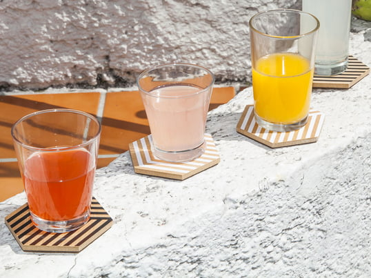 Modern coasters by Areaware in 3D look. Design coasters for glasses and cups - enjoy your refreshing drinks without having to worry about stains and scratches.