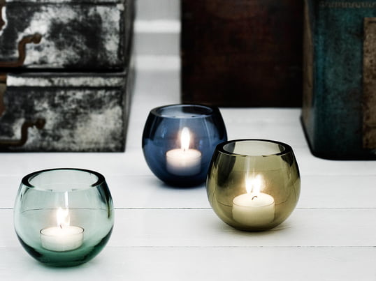 The tea light holder is available in various, transparent pastel shades which can arranged well together on the table or on a window sill. Design by Peter Svarrer.
