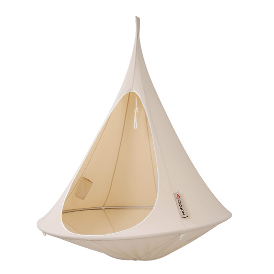 Natura Wohndesign: The Single Hanging Chair By Cacoon